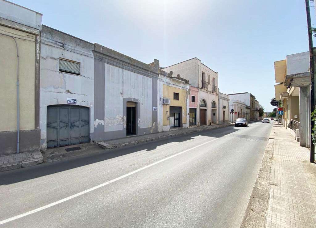 Caratteristico indipendente in centro a Casarano