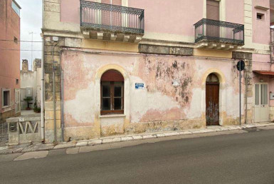 Caratteristica abitazione in centro a Ruffano