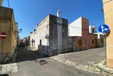 Indipendente angolare in centro a Casarano