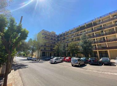 Appartamento abitabile con balcone a Casarano